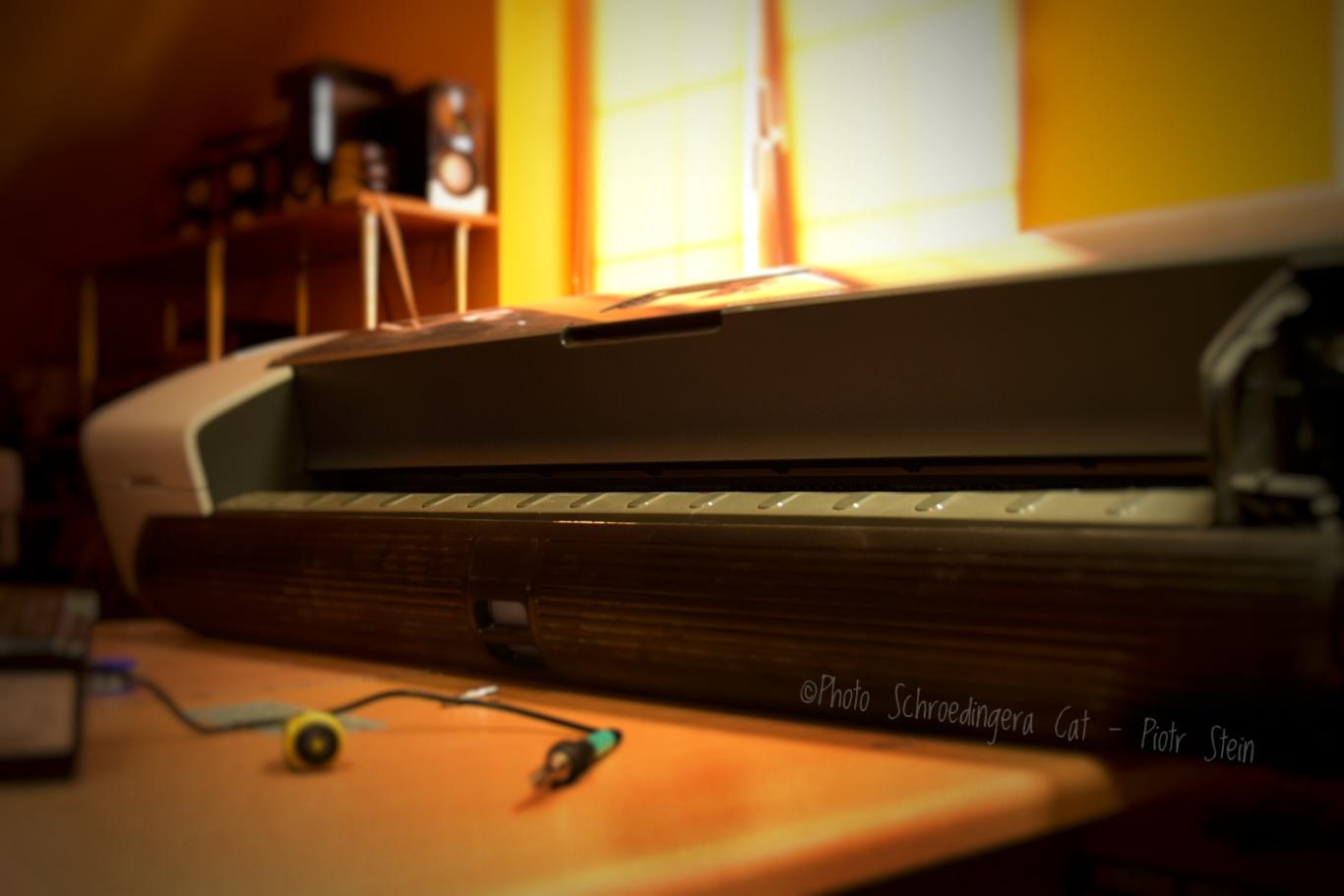 Naprawa ploterów. © Zdjęcie za zgodą Akte.com.pl i autora @PhotoSchroedingerCat